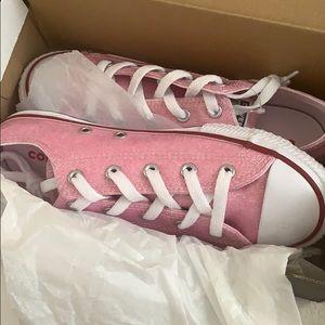 Juniors converse pink